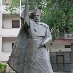spomenik Dmitru Zvonimiru u Kninu
